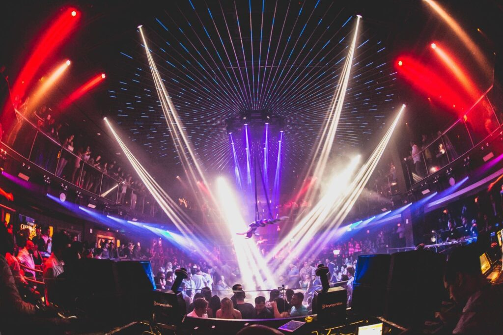Why should you always choose Miami to have great nightlife?